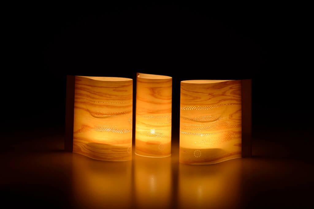 Bougeoirs conçus par le spécaliste du Yuzen-Chokoku Nishimura Takeshi et Elodie Stephan
