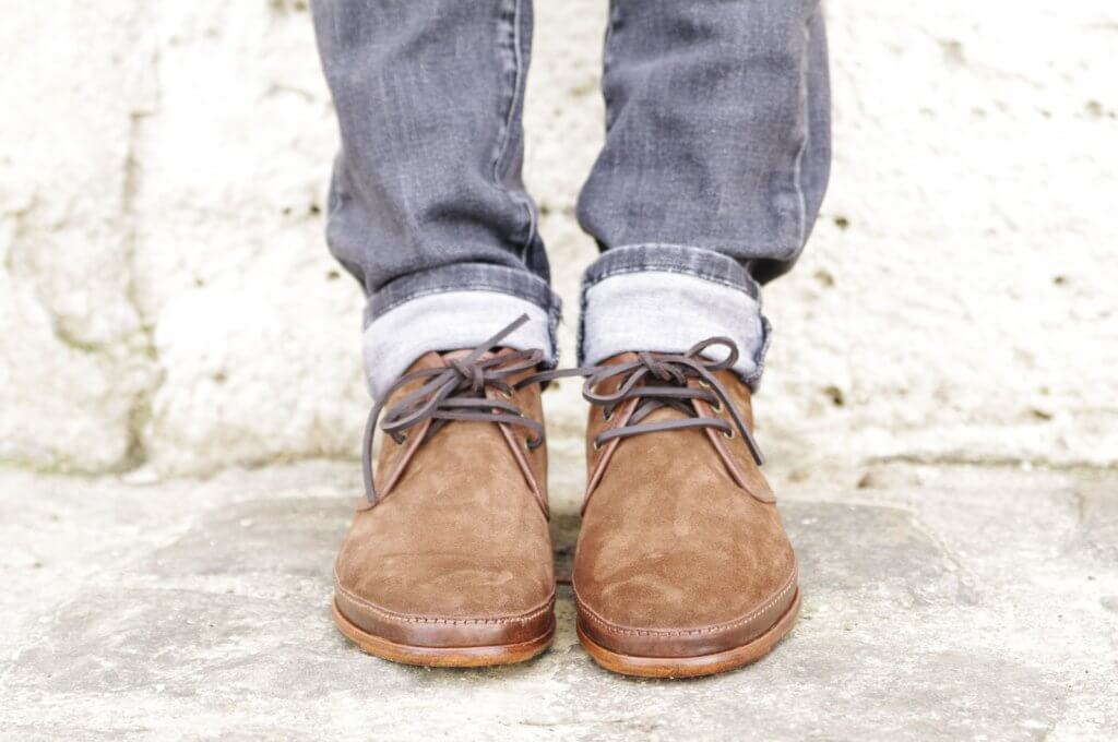 """Le jeune voyou de luxe, """"Dis moi comment tu es chaussé, je te dirai qui tu es"""" © Paire & fils"""