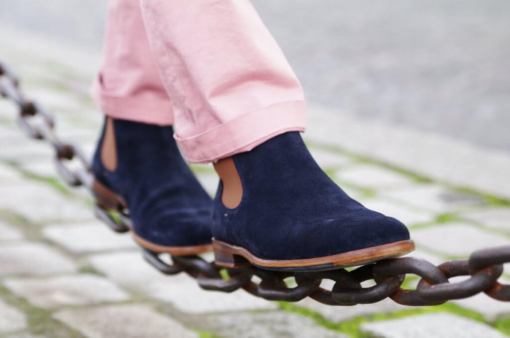 """L'homme pressé, """"Si ma chaussure est étroite que m'importe que le monde soit vaste"""" © Paire & fils"""